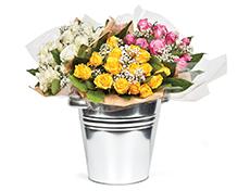 PLUS verkoopt als eerste supermarkt in Nederland boeketten met Fairtrade rozen